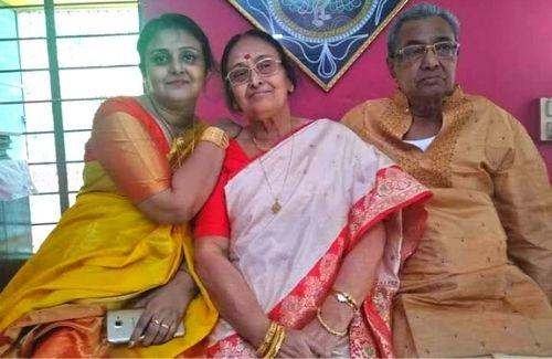 Dipanwita with her parents